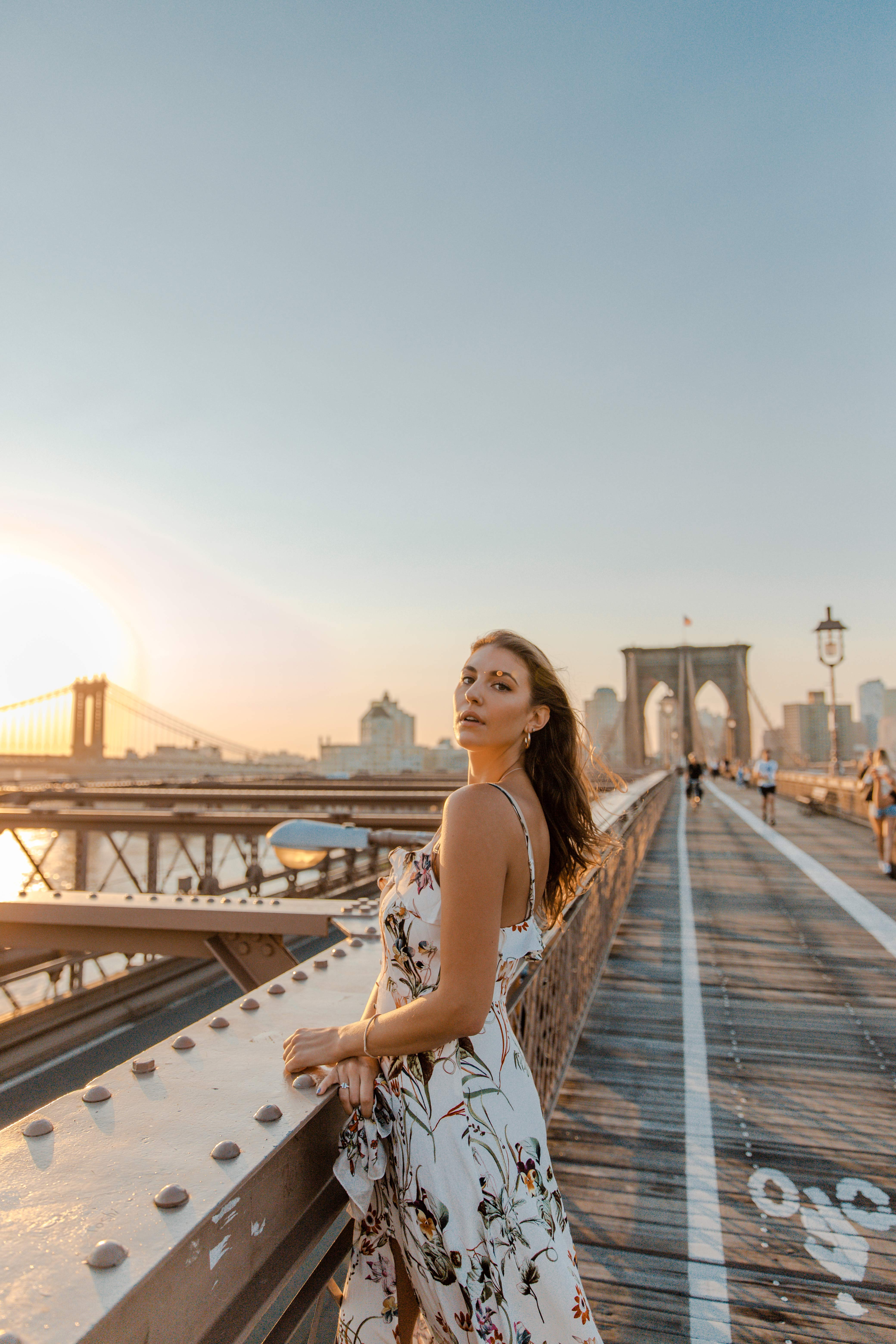 10 Iconic Things to do in NYC | New York City Travel Guide, best of NYC | Dana Berez Travel Guide Brooklyn Bridge Sunrise Instagram spots