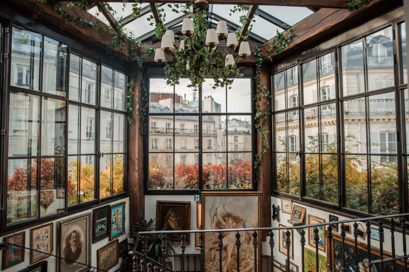 The Best Paris Instagram Spots | 15 Parisian Shots You Can't Miss: Pink Mamma Paris Dana Berez