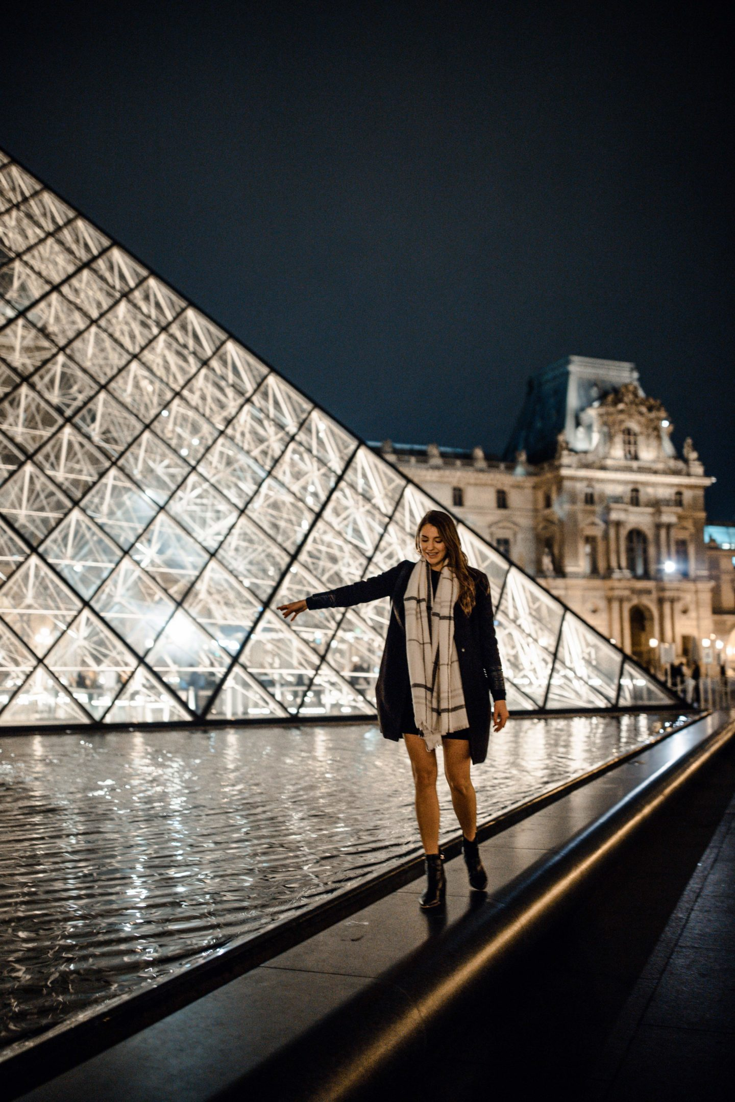 Blogger's travel guide to Paris | Top things to do and see in Paris France | Paris Photography Inspiration | Dana Berez Travel Guide Louvre Museum