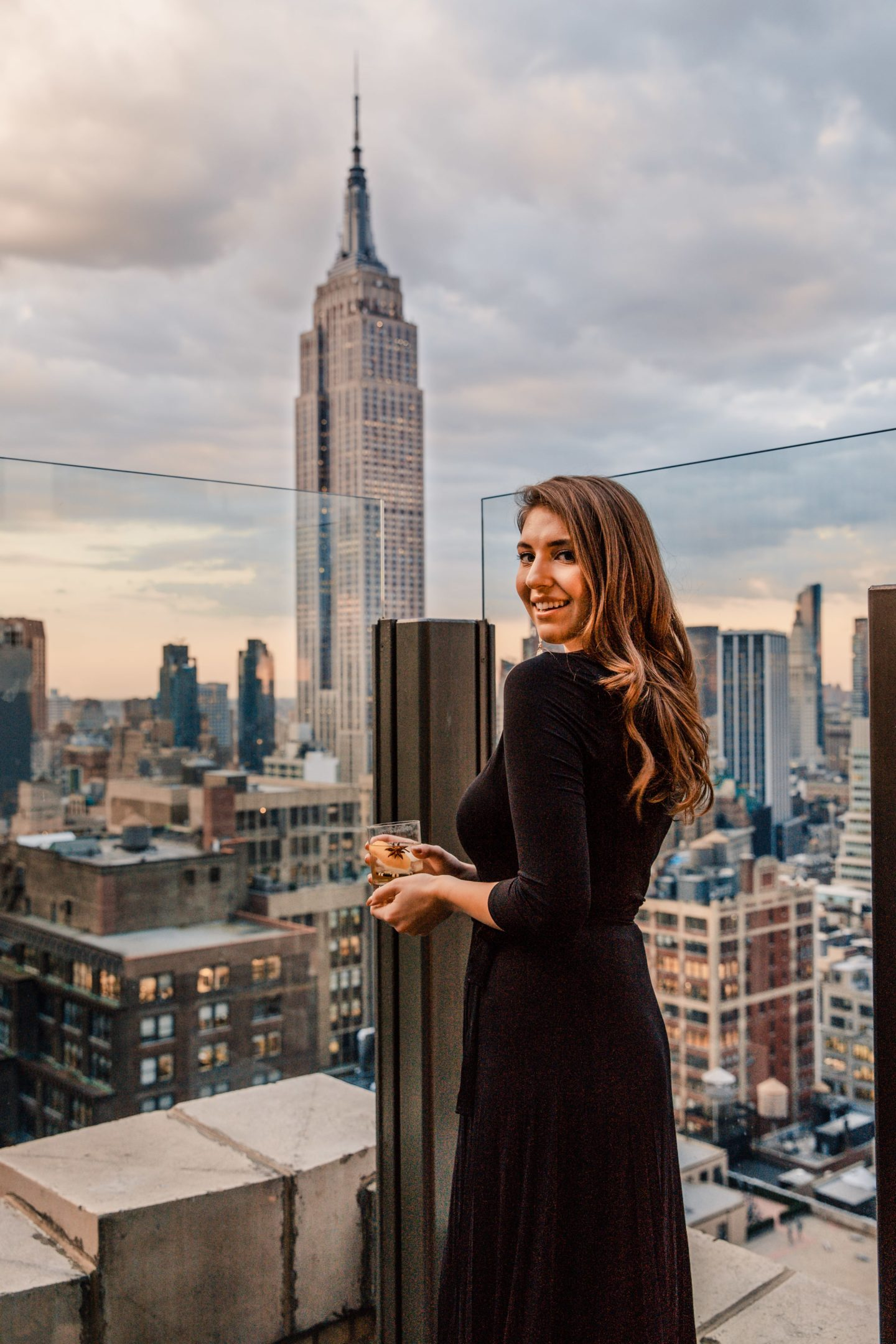 Photo Spots of the Empire State Building in NYC Instagram Approved | Dana Berez NYC Photography Ideas NYC rooftops