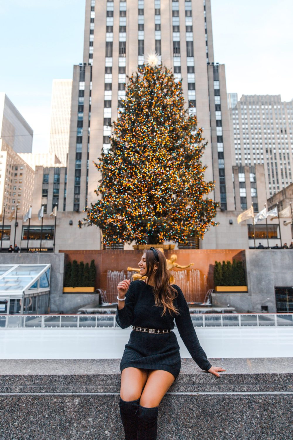 The 10 Best NYC Christmas Instagram Spots | Christmas in New York | Dana Berez NYC Blogger | Rockefeller Christmas Tree